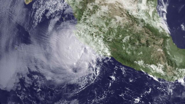 Hurricane Bud at 1345z on 25 May 2012 NOAA
