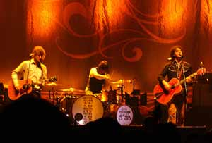 mojo-photo-raconteurs2.jpg